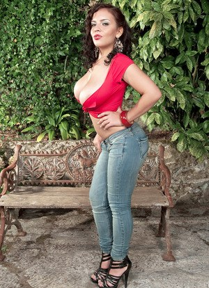 Huge Tits In Jeans